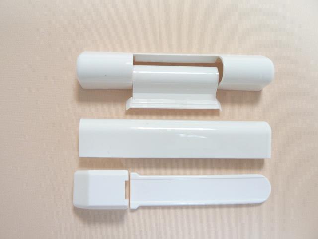 Декоративная накладка может быть изготовлена из пластика, алюминия и иметь как белоснежный, так и цвет «шампань»