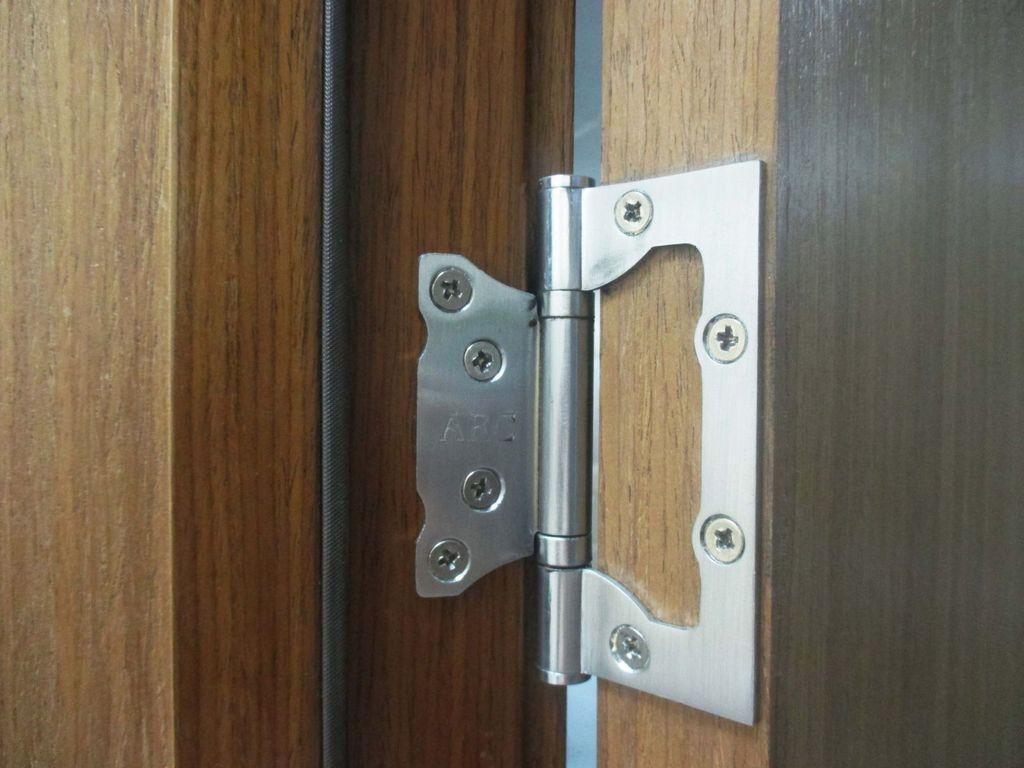 Установка межкомнатных дверей своими руками петли без врезки