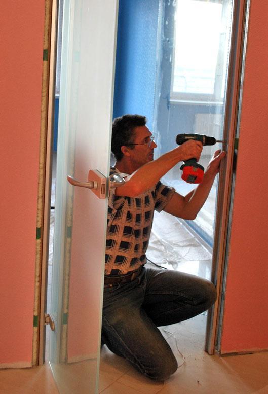 Подготовка коробки и примерка дверного полотна по месту
