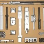 Как выбрать и установить фурнитуру для деревянных окон