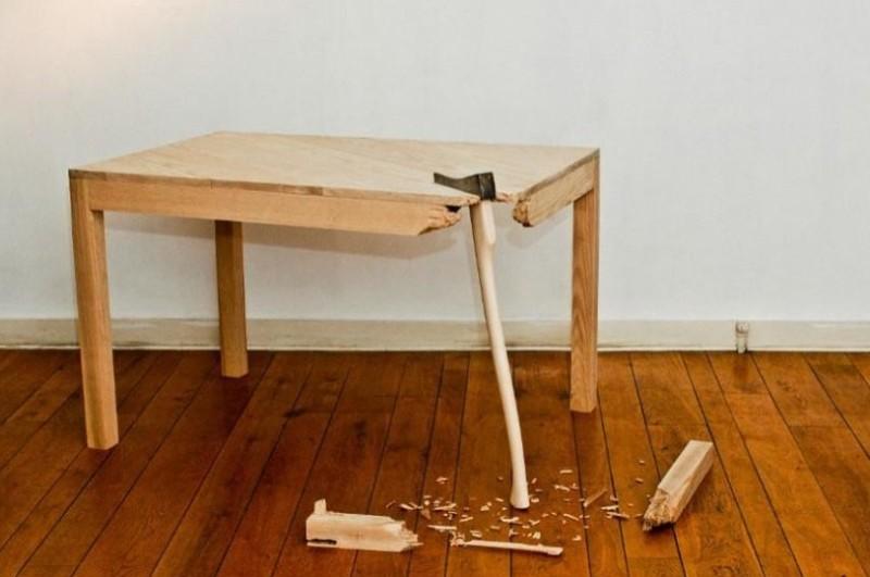 Ремонт стола зависит от причины поломки