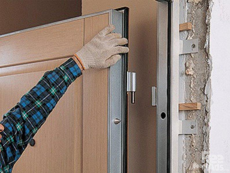 Снятие входной двери с петель
