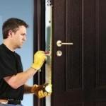 Как установить замок на металлическую дверь