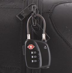Использование замка, как дополнительной защиты сумки с вещами
