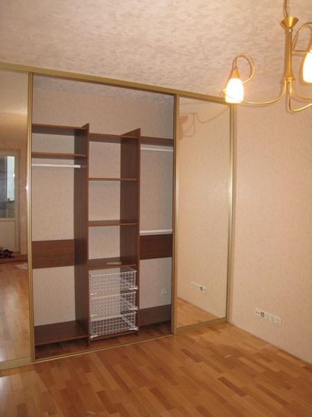 Шкаф встроенного типа