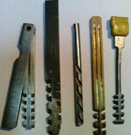 Разные формы ключей реечного замка