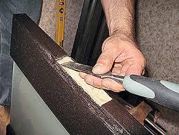 Формирование углубления для установки дверной петли