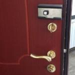 Как выбрать и установить накладной замок для дверей