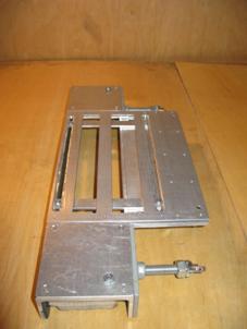 Устройство для установки петель заводского производства