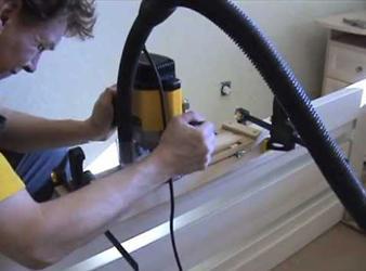 Обустройство ниши для дверной петли