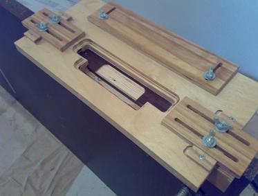 Устройство для правильной установки дверных петель