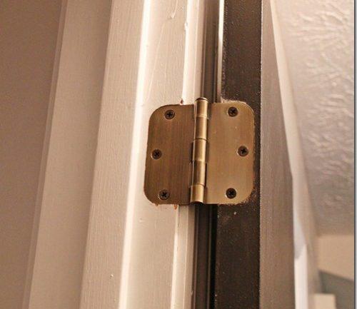 Врезные петли наиболее распространены при установке межкомнатных дверей