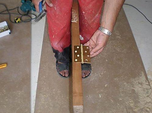 Монтаж петель к дверному полотну
