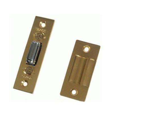 Простейшая защелка для дверей с фиксирующим роликом