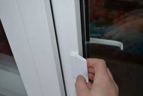 Стационарная ручка для притворения двери