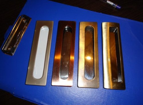 Мебельные ручки, устанавливаемые внутрь мебельного фасада