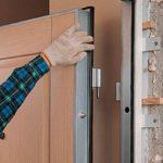 Как установить и закрепить двери своими руками