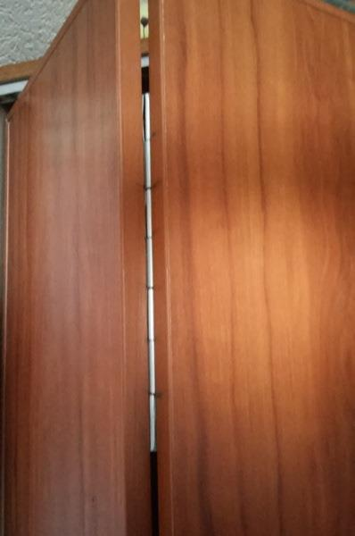 Правильно установленные петли раздвижных полотен