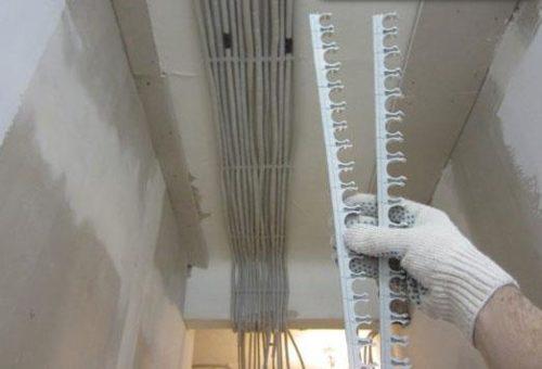 Стыкующиеся между собой клипсы позволят закрепить большое количество труб, прокладываемых параллельно