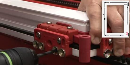 Сверление отверстий для петель по шаблону