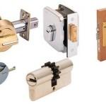 Как выбрать и установить замок для деревянных дверей
