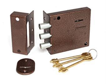 Запорный механизм, который устанавливается на дверное полотно