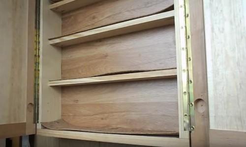 Установленные на мебель рояльные накладные петли