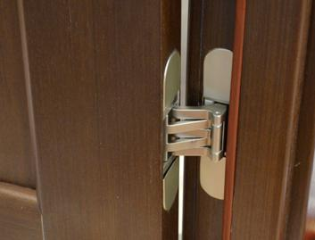 Фурнитура, которая устанавливается на входные двери