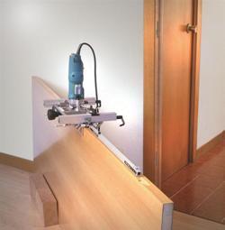Подготовка отверстий для монтажа дверной петли