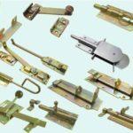 Как подобрать и установить засов на дверь или калитку