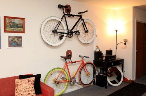 Крепление велосипеда параллельно стене