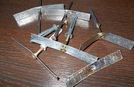 Скобы для крепления проводов, изготовленные самостоятельно
