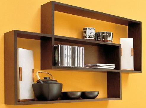 Приспособление для хранения различных предметов на стене