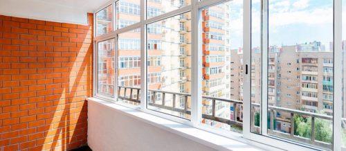 Балкон, остекленный при помощи алюминиевого профиля