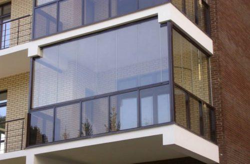 Остекление балкона панорамными окнами